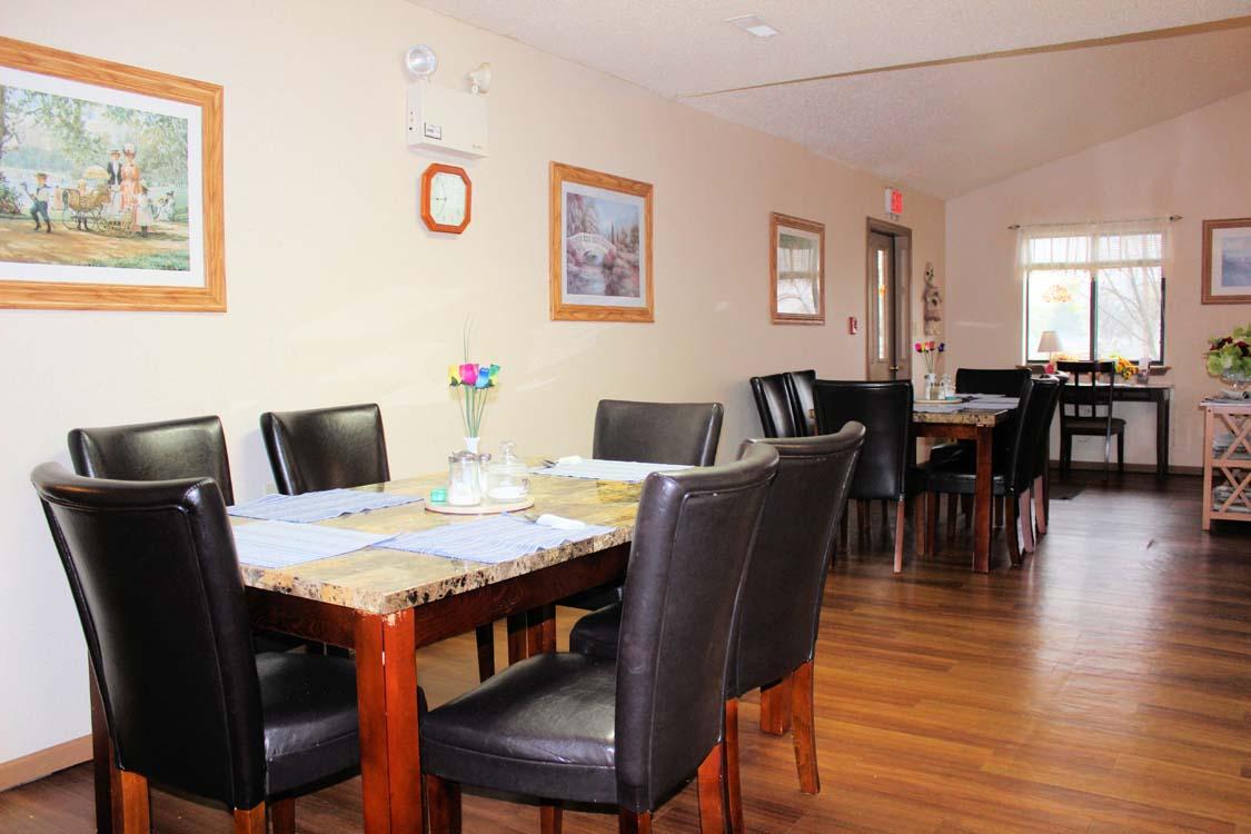 Senior living bristol manor for Best private dining rooms bristol